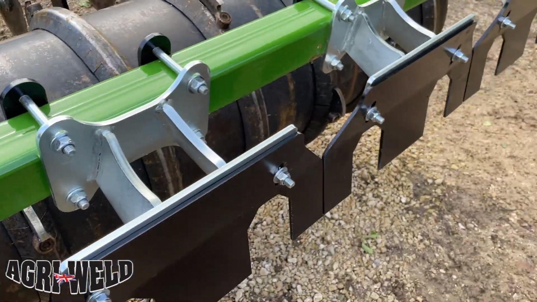 easy-clean-scraper-raised-length